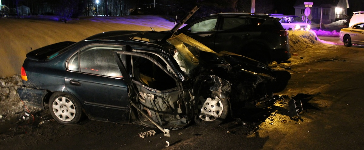 Collision frontale à Sainte-Catherine-de-la-Jacques-Cartier: On ... - Le Journal de Québec