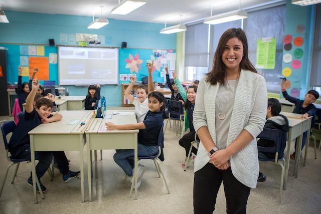 L'école primaire de la Mosaïque, dans le quartier Côte-Saint-Luc, à Montréal, est principalement composée d'élèves allophones issus de communautés culturelles variées. Les images ont été prises le jeudi, 12 janvier 2017. Sur la photo: Alissa Gosselin, enseignante en classe d'accueil. TOMA ICZKOVITS/AGENCE QMI