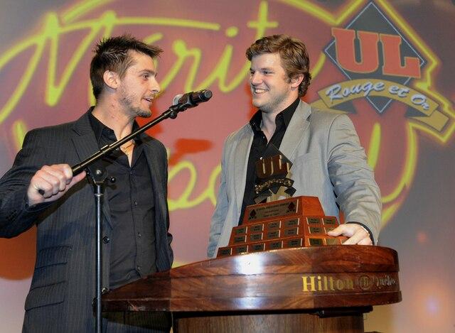 61e Gala du Mérite sportif Rouge et Or de l'Université Laval mardi le 10 Avril 2012 a Quebec. Gagnant du prix Equipe de l'Année, le Football.SIMON CLARK/JOURNAL DE QUEBEC/AGENCE QMI