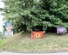 Des drapeaux des Warriors ont été installés à l'entrée du territoire mohawk de Kanesatake vendredi, a pu constater <i>Le Journal</i>.