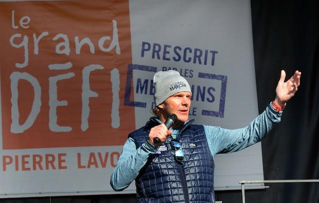 Plus de 3000 personnes étaient attendues samedi avant-midi à Saguenay pour la marche du Grand défi Pierre Lavoie. Sur la photo: Pierre Lavoie. ROGER GAGNON/AGENCE QMI