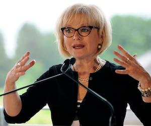 Le gouvernement passe à l'action devant l'explosion des dénonciations comme celles visant Gilbert Rozon: en plus d'allonger 1 M$ pour l'aide aux victimes, Québec pourrait rendre les cours d'éducation sexuelle obligatoires et cesser de subventionner Juste pour rire.