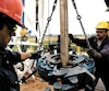 Des employés de Junex mènent des travaux de forage gazier au puits Shell St-Simon, près de Saint-Hyacinthe, en Montérégie.