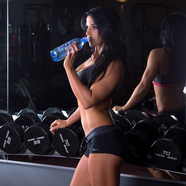 L'athlète en «pro bikini fitness» Cynthia Benoît fait d'énormes sacrifices en vue de prendre part à la compétition internationale Olympia qui sera disputée à Las Vegas.