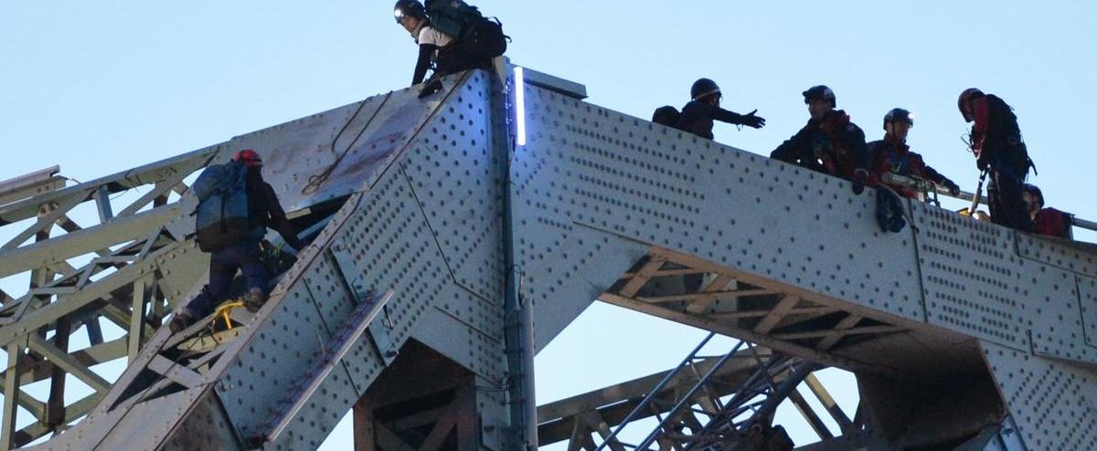 Manifestation sur le pont Jacques-Cartier : Coincée dans un taxi adapté pendant 4 heures