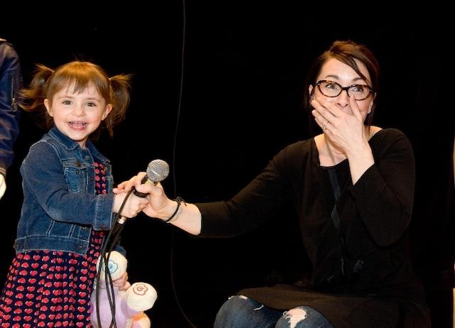 La présentatrice de la soirée Marie Plourde avait la meilleure co-animatrice en ville; sa petite Lou!