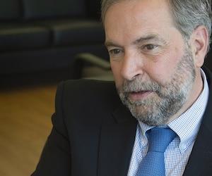 Dans sa biographie d'un peu moins de 300 pages, le chef du NPD Thomas Mulcair affirme que le Canada n'a pas toujours été «juste» envers les francophones.