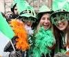 C'est la Saint-Patrick! Les festivités ont commencé au quatre coins de la planète. Chapeaux irlandais, bière et trèfles à quatre feuilles sont de mises.