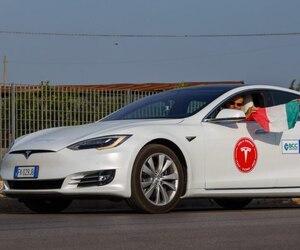 Record Tesla Model S 1000 kilomètres