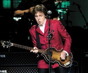 Paul McCartney lors d'un concert à Montréal, au Centre Bell, en juillet 2011.