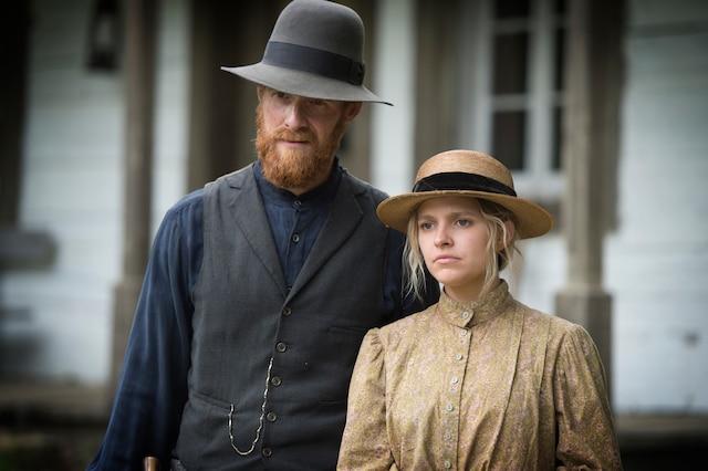 Les spectateurs seront heureux de revoir les deux personnages principaux de la série Les pays d'en haut, Donalda et Séraphin, incarnés par Sarah-Jeanne Labrosse et Vincent Leclerc.