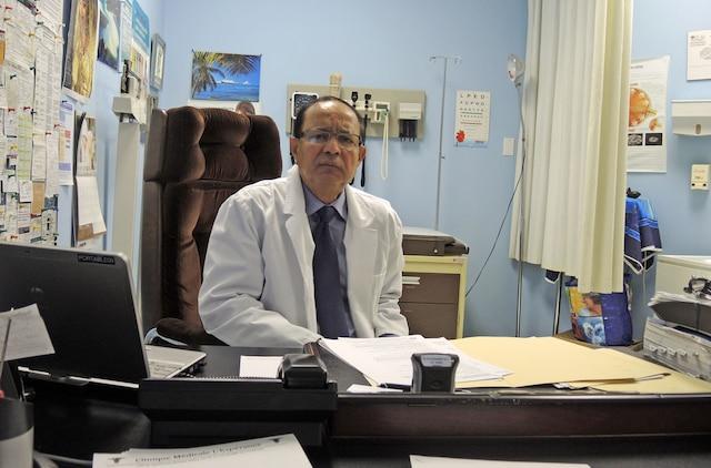 Le docteur Mohuniall Soowamber dit avoir perdu 888000$ dans les mains de Candappa. «J'allais soigner ses enfants chez lui. J'avais confiance en lui.»