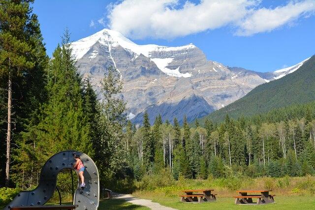 Le mont Robson promet des jeux,  des pique-niques et des randonnées  palpitantes.