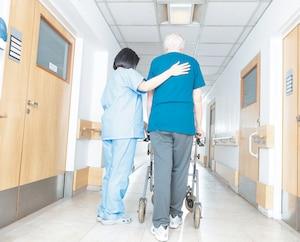 Le budget prévoit notamment 200 millions$ en 2019-2020 pour embaucher plus d'infirmières, préposés aux bénéficiaires et autres professionnels.