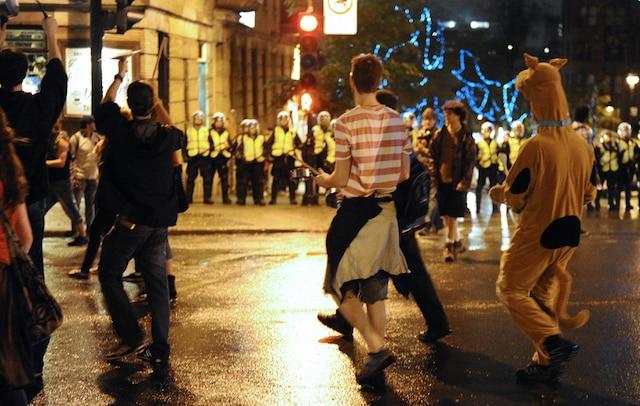 Peu de manifestants se sont rassemblés pour participer à la 36e manifestation nocturne, pour protester contre l'application de la loi spéciale 78 et la hausse des frais de scolarité, à Montréal, le mardi 29 mai 2012. MAXIME DELAND / AGENCE QMI