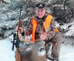 À la chasse ou à la pêche, Gilles Dubois rattrape le temps perdu pendant une carrière réussie qui grugeait tout son temps.