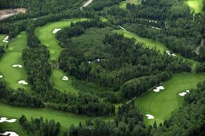 Tiger Woods a déjà foulé les allées du terrain de golf à Sagard.
