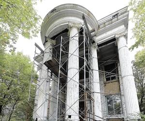 La maison Pollack, résidence à valeur patrimoniale supérieure, située sur Grande Allée, est dans un très mauvais état.
