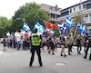 Une soixantaine de manifestants marchent dans les rues de Québec samedi après-midi pour dénoncer le gouvernement Couillard.