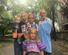 Caroline Vallée, mère monoparentale de Manolo, 11 mois, Mila Rose, 5 ans, Meggane, 12 ans et Delphine 16 ans, s'est fait refuser l'accès à la plage Jean-Doré parce qu'elle ne respectait pas le ratio d'accompagnateurs.