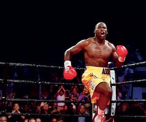Adonis Stevenson est champion du monde WBC chez les mi-lourds.