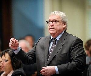 Le ministre de la Santé Gaétan Barrette est ouvert à débattre de la gestion des enveloppes de rémunération des médecins spécialistes.