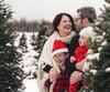Annie Simard (à gauche), originaire de Québec, doit composer au quotidien avec les allergies sévères de ses deux enfants, qui sont âgés de 8 et 2 ans (en bas).