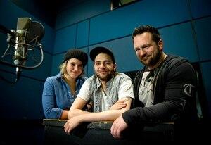 Catherine Brunet, Xavier Dolan et Louis-Philippe Dandenault, au boulot dans les studios de Technicolor.