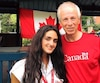 L'enseignante Emmanuella Lambropoulos a remporté à la surprise générale mercredi soir l'investiture du Parti libéral du Canada dans Saint-Laurent. Elle est ici en photo aux côtés de l'ex-ministre et député de Saint-Laurent Stéphane Dion.