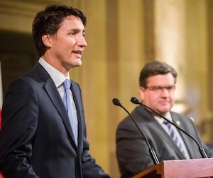 Justin Trudeau et Denis Coderre à l'hôtel de ville de Montréal, le 26 janvier 2016.
