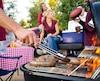 cuisson au barbecue - party - réception - pique-nique