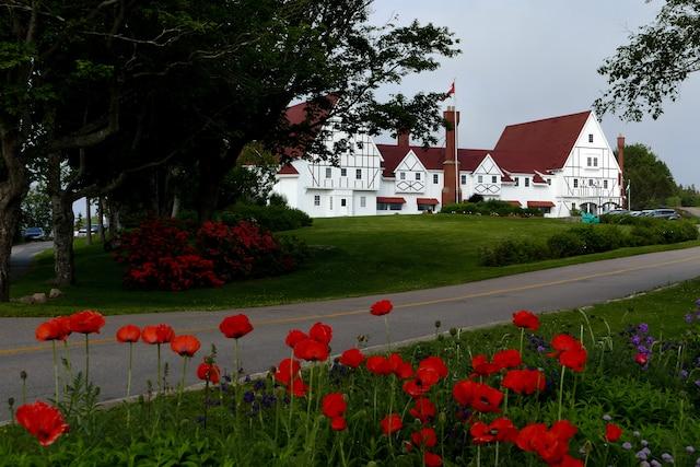Le Keltic Lodge Resort d'Ingonish est au Cap-Breton ce que l'Hôtel Tadoussac est à la Côte-Nord.
