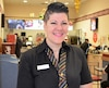 Valérie Chassé a aidé une cliente étouffée qui suffoquait mardi midi au McDonald's du Wal-Mart de Rivière-du-Loup.