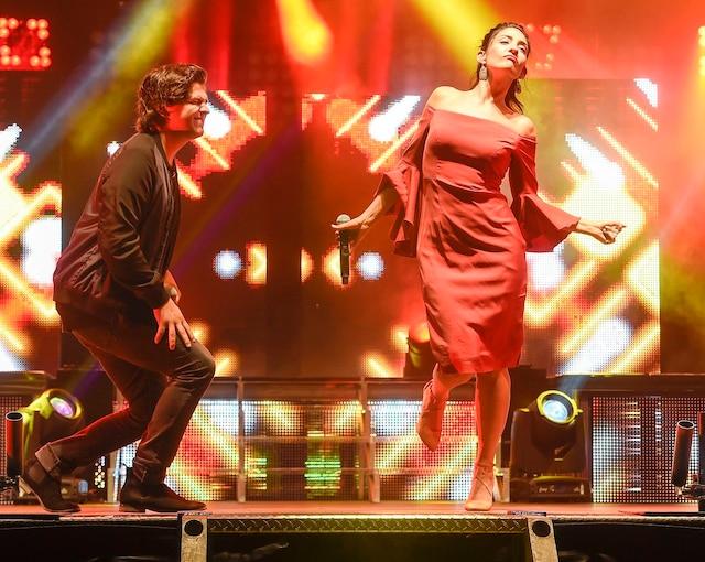 La première tournée de l'émission La Voix, mettant en vedette les huit candidats qui se sont rendus le plus loin, dont le gagnant Ludovick Bourgeois et Rebecca Noëlle, était de passage au Festivent de Lévis.