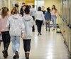 Les signataires réclament le maintien des secteurs régulier et de l'adaptation scolaire à l'école secondaire Cardinal-Roy, à Québec.