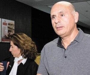 L'ancien vice-président de SNC-Lavalin ne semblait pas s'en faire lorsqu'il s'est présenté au palais de justice de Montréal, mardi, pour plaider coupable à une accusation réduite dans le scandale du CUSM.