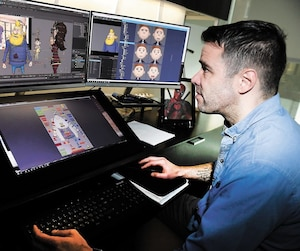 Fort de ses 22 ans d'expérience en animation, Yann Tremblay veille à la confection des personnages de Félix et le trésor de Morgäa.