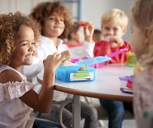 Comment choisir une boîte à lunch pour son enfant