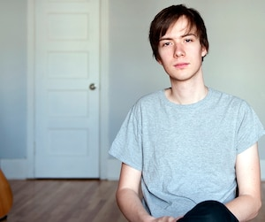 Ludovic Alarie lance le deuxième album de sa carrière, L'appartement.
