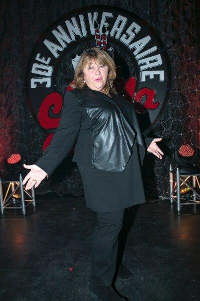 En 1987, Lise Dion a fait ses premiers pas comme humoriste : «J'ai eu un standing ovation. Mais j'étais tellement nerveuse que je n'ai rien vu et je suis sortie de scène avec une face d'enterrement. C'est Louise Richer qui m'a dit : «Ils ont adoré! ». Je n'en revenais pas!»