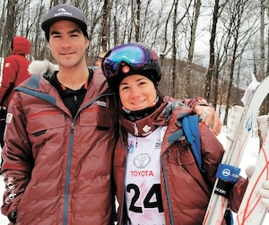Marc-Antoine Gagnon et sa soeur Alex-Anne ont fait le tour du globe ensemble dans l'équipe nationale de ski acrobatique de la Coupe du monde.