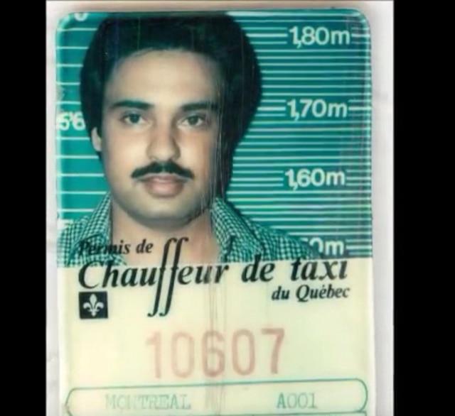 Hardeep Grewal a conservé le permis de taxi qu'il utilisait dans son jeune temps.