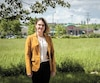 Le conseil de quartier de Lairet s'inquiète de l'endroit où sera situé le garage secondaire du tramway. Julie Tremblay-Potvin, qui fait partie du conseil d'administration, est photographiée à l'endroit où le futur garage pourrait être construit, au coin de la 41eRue et de la 1reAvenue, à Québec.