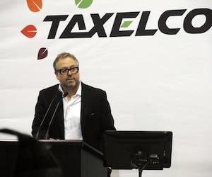Alexandre Taillefer est le fondateur et le président du conseil d'administration de Taxelco, la société mère de l'entreprise de taxis électriques Téo Taxi.