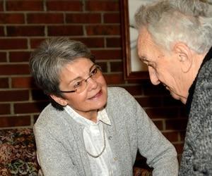 Avec Le Baluchon Alzheimer, Marie Gendron souhaite venir en aide aux aidants naturels surmenés.