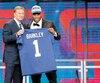 Saquon Barkley (ici avec le commissaire Roger Goodell) a été sélectionné au deuxième rang par les Giants de New York.