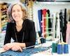 La designer de mode Christine Mercier, qui œuvre dans le domaine depuis 30ans, affirme que ses vêtements se vendent à un prix abordable.