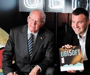 En 2012, Bernard Landry et le PDG d'Ubisoft Canada, Yannis Mallat, lors d'une rencontre à Montréal pour souligner les 15 ans du géant français du jeu vidéoau Québec.