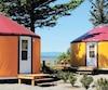 Avec leurs couleurs vives et leur site à l'écart, les yourtes représentent une belle occasion de vivre un séjour agréable, à proximité du fleuve Saint-Laurent.