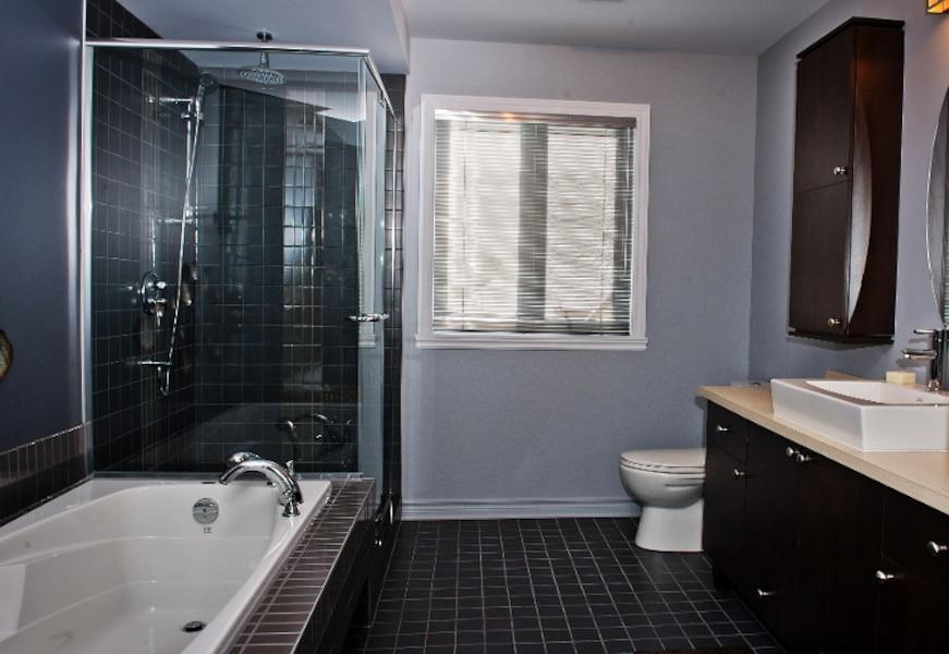 trois chambres coucher bien log es jdm. Black Bedroom Furniture Sets. Home Design Ideas